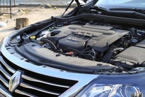 Ce V6 offre puissance et couple.