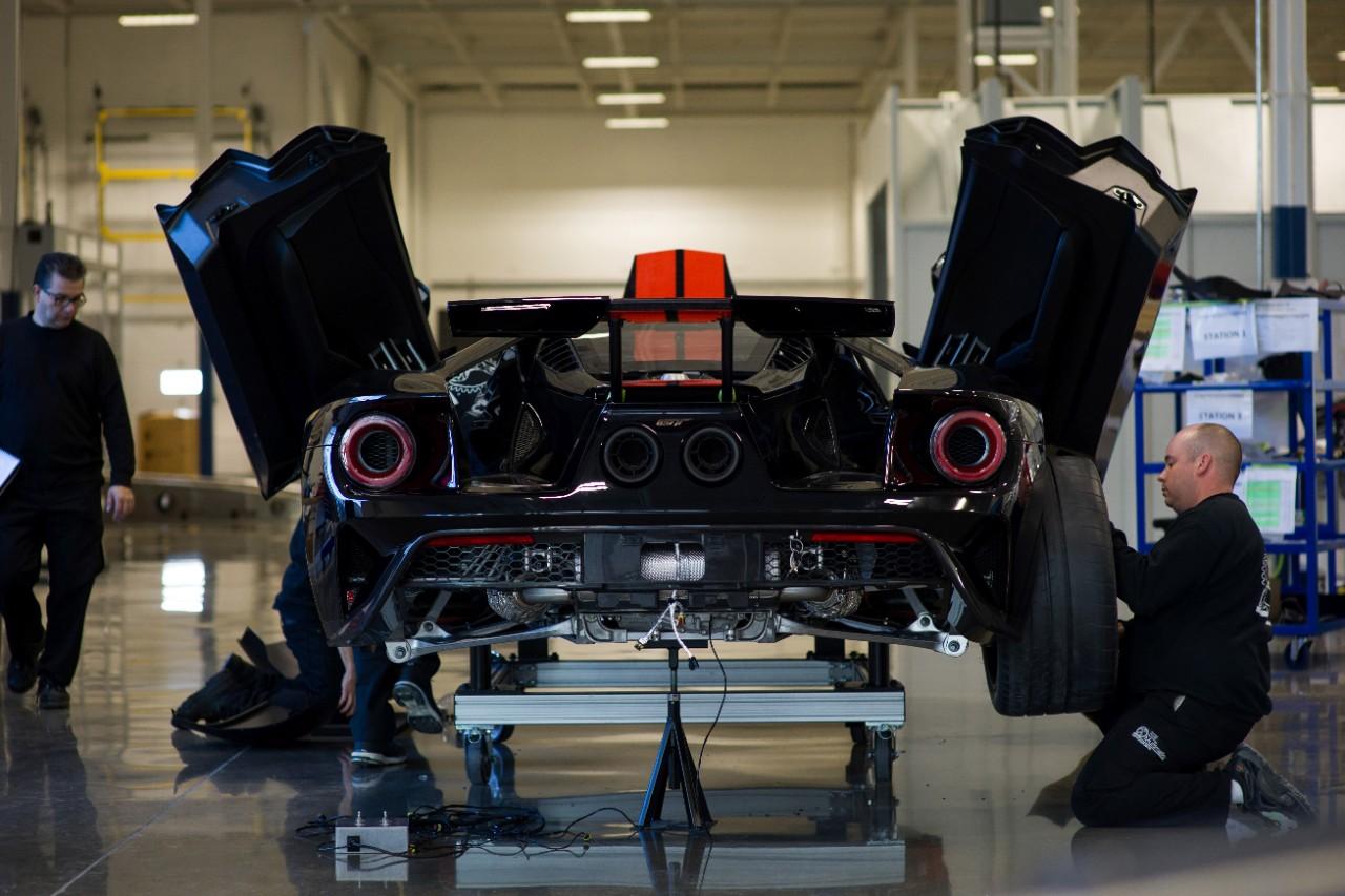 Nouvelle Ford GT : La Supercar de Fordprête àdévorer le bitume.
