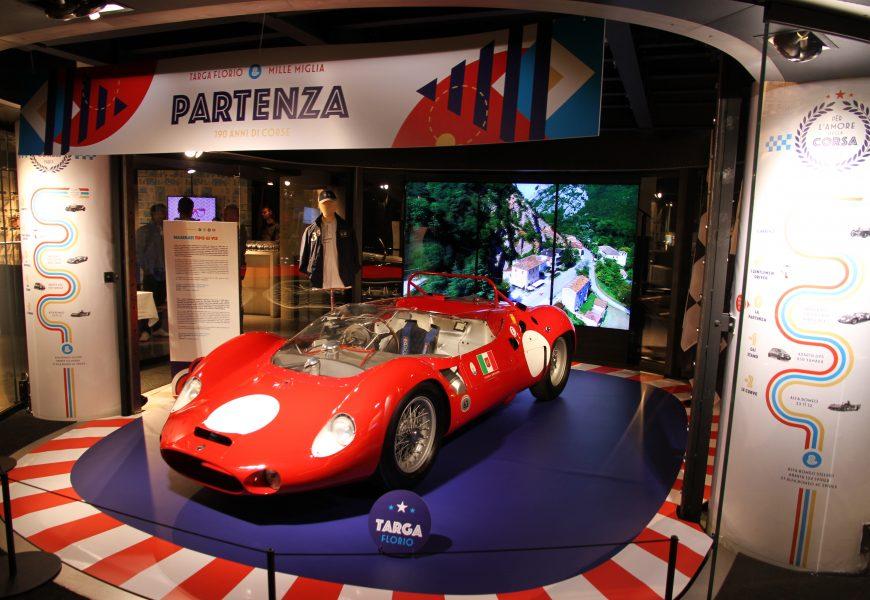 Visite de l'exposition «Per l'amore della corsa» à Motorvillage.